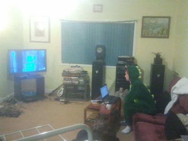 Came home from my girlfriends place to see my brother in a dinosaur onesie watching a dinosaur movie