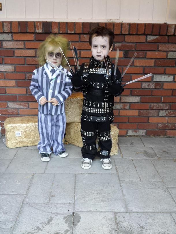 Coolest Costumes For Toddlers Ever Edward And Beetlejuice Meme Guy