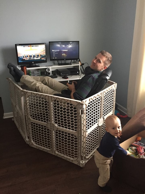 I could never game because of my toddler son so I finally bought a play pen  - Meme Guy