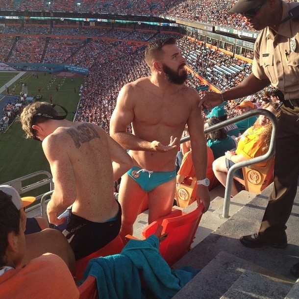 Miami Dolphins fan kicked out for wearing Speedo at the Stadium