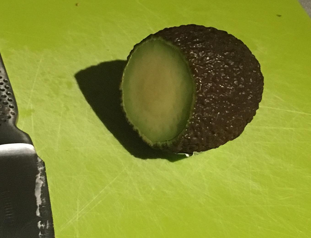 My wife cuts avocados like this Im thinking divorce is the only option