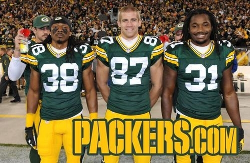 pic 1 before every game the green bay packers take a picture of the captains and aaron rodgers p one 66101 pic 1 before every game the green bay packers take a picture of