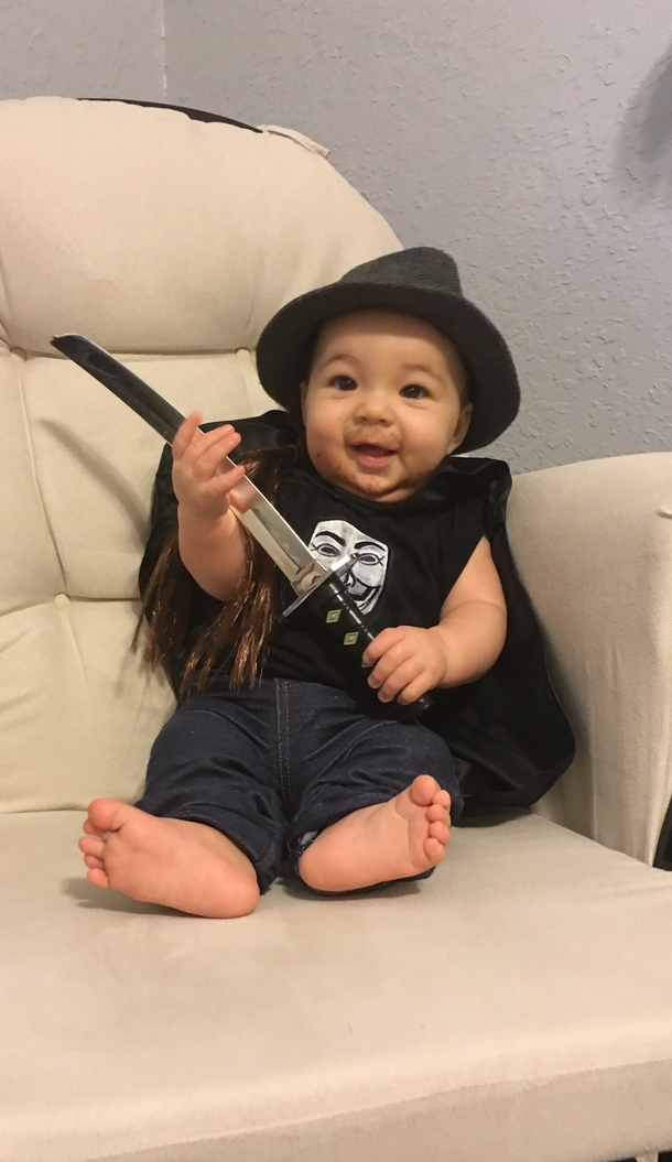 pic 2 decided to make a neck beard halloween costume for my baby