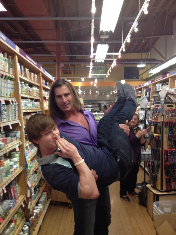 Pic #5 - Just a normal day at the market for Fabio
