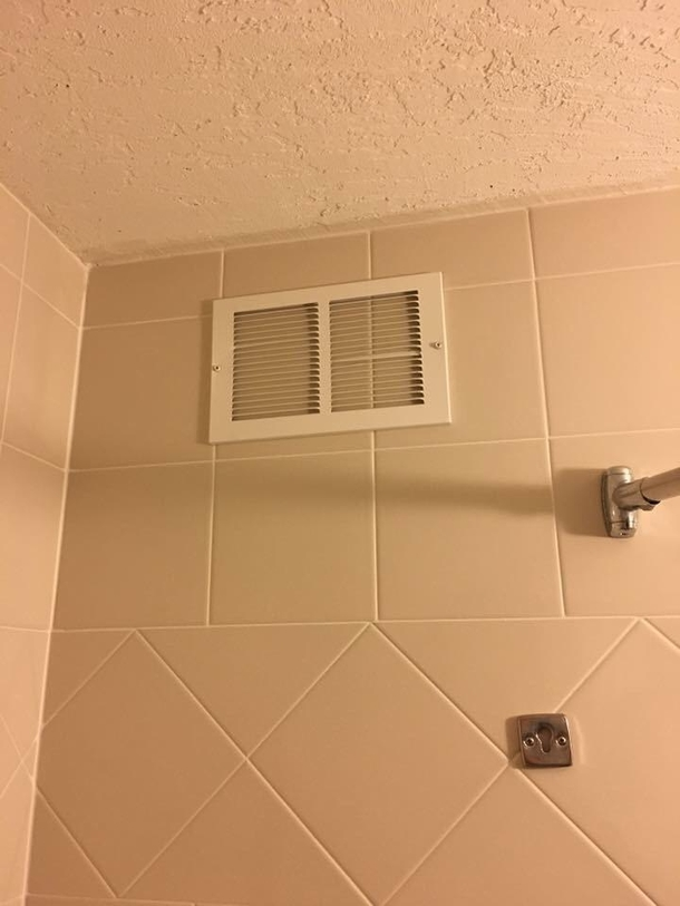 The vent in my hotel bathroom doesnt seem to be working