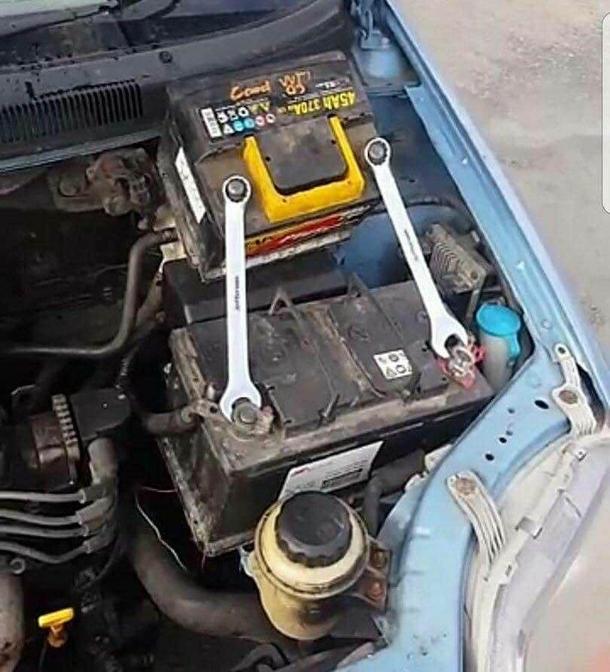 Trust Me Im A Mechanic Meme Guy