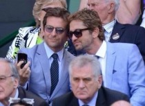 bradley cooper and gerard butler taking a selfie at wimbledon