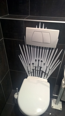 Came to work went to poop became ruler of Westeros