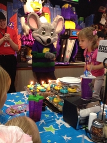 Chuckie Cheese is a lot creepier than I remember