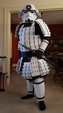 Could a storm trooper samurai succesfully commit seppuku