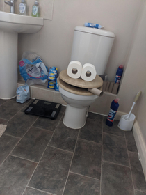 Did this to my mates toilet Help me make him see it