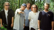 Doesnt Korn just look like an older and fatter NSYNC