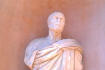 Found this statue in rome reminds me of Lord Voldemort