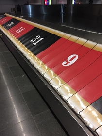 Frankfurt Airports Conveyer Belts are a Roulette
