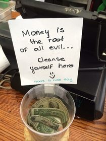 Funny way to get customers to leave tips