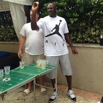 Hey guys I just played beer pong with Micheal Jordan while he was wearing a T-shirt of himselfShut the fuck up Frank youre a stupid fucking liar