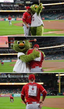 Houston Astros mascot trolls Mike Trout of the Angels