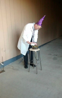 How my physics teacher does experiments