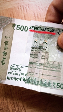 I discovered this cool feature in new Indian Rupee notes ha