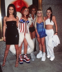 I never realized how much the Spice Girls looked like hookersuntil this very moment