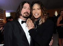 I wish I was as close with my mom as Dave Grohl is with his