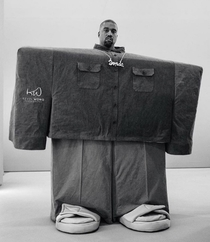 Kanye West promoting unrealistic body standards