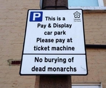 Leicester has installed a new sign in the car park where the remains of Richard III were found