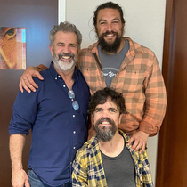 Mel Gibson Jason Momoa and their son Peter