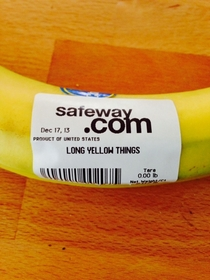 My sister just ordered some bananas from Safeway delivery This is how they arrived