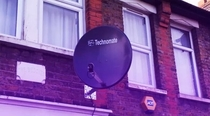 Oi satellite dish what music you into