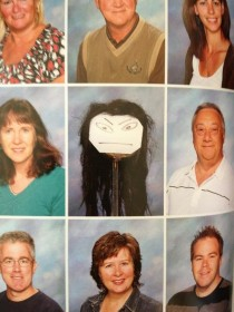 One of the teachers was absent for photo day they improvised