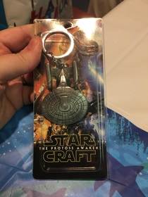 Ordered a Star Trek Enterprise-D keychain but it was shipped in a Star Wars package