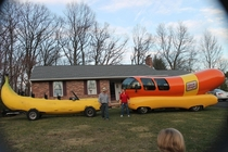 Oscar Mayer weiner mobile Banana for scale