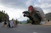 Pakistan hunters try to domesticate a wild truck