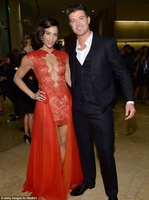 Pic #10 - Robin Thicke always holds his arms out like some sort of god damn Ken doll
