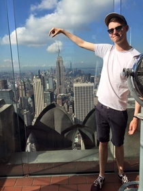 Pic #4 - My friend tried to hold some famous landmarks in his fingers