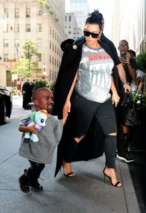 Pic #4 - Someone photoshopped Kanye Wests head onto his daughters body