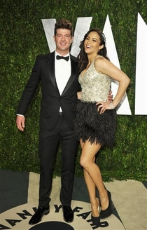 Pic #6 - Robin Thicke always holds his arms out like some sort of god damn Ken doll
