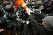 Protestor assists in the installation of VLC Media Player