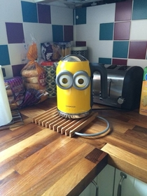 Put Minion goggles on our new kettle