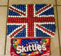 Quick  The Americans are awake  Show your patriotism to the glorious British Empire