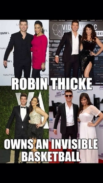 Robin Thicke and his basketball