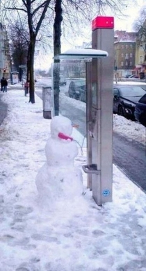 Snowmen are just normal people in Canadaland