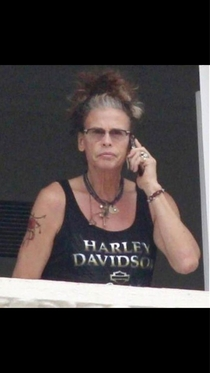 Stephen Tyler looks like someones grandma
