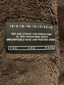 The label on the sleeve of my hoodie from Zaful