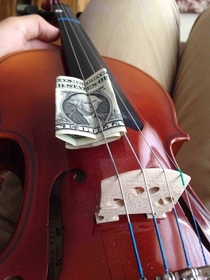 Theres a dollar in my g-string