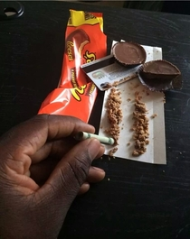Theres no wrong way to eat a Reeses