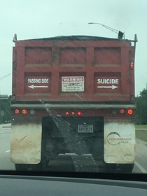 These helpful arrows on this big truck I saw today
