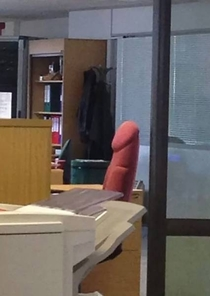 This sideways office chair