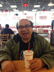 Was just in Five Guys and a couple of people wanted to take a picture with my dad because they thought he was Danny DeVito from Always Sunny Frankly I dont see it